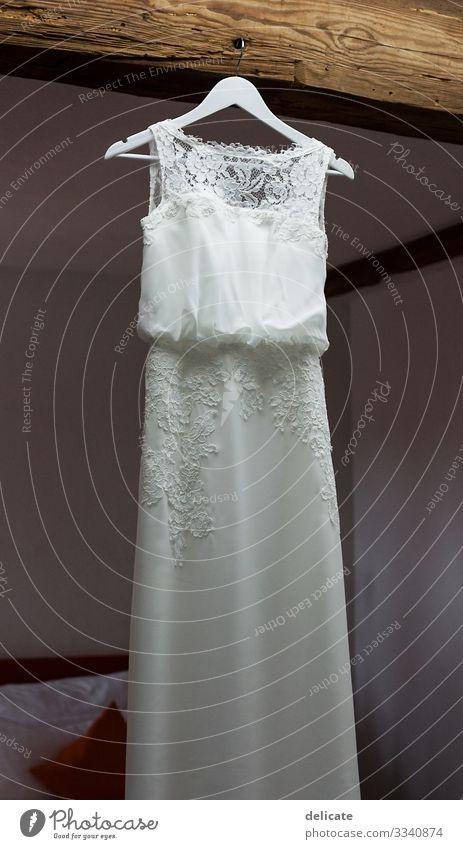 Brautkleid Hochzeit Kleid Frau Farbfoto Liebe elegant Tag Erwachsene feminin Feste & Feiern Stil Freude Fröhlichkeit Mode Romantik heiraten Bräutigam