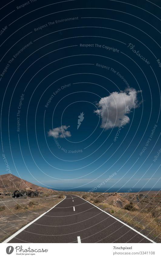 Die erträgliche Leichtigkeit des Seins Landschaft Urelemente Erde Sand Himmel Sommer Schönes Wetter Hügel Felsen Berge u. Gebirge Menschenleer Verkehr Straße