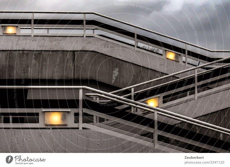 Auf und Ab Berlin Hauptstadt Stadtzentrum Menschenleer Bauwerk Gebäude Architektur Treppe Geländer Treppengeländer Laterne Berliner Philharmonie Beton Metall