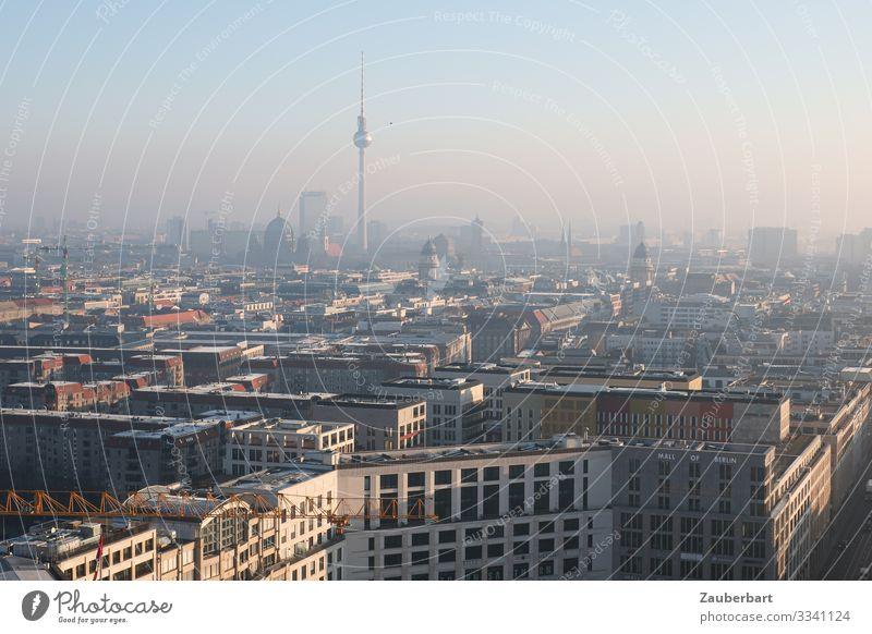 Guten Morgen Berlin Himmel Wolkenloser Himmel Berlin-Mitte Hauptstadt Stadtzentrum Hochhaus Bankgebäude Bauwerk Berliner Fernsehturm Blick groß schön