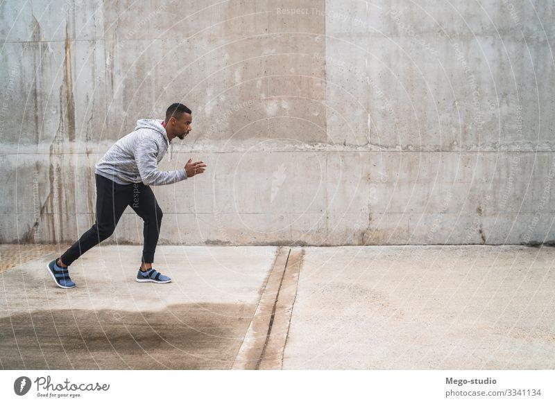 Porträt eines sportlichen Laufkünstlers. Lifestyle Körperpflege Erholung Freizeit & Hobby Sport Fitness Sport-Training Joggen Mensch maskulin Mann Erwachsene