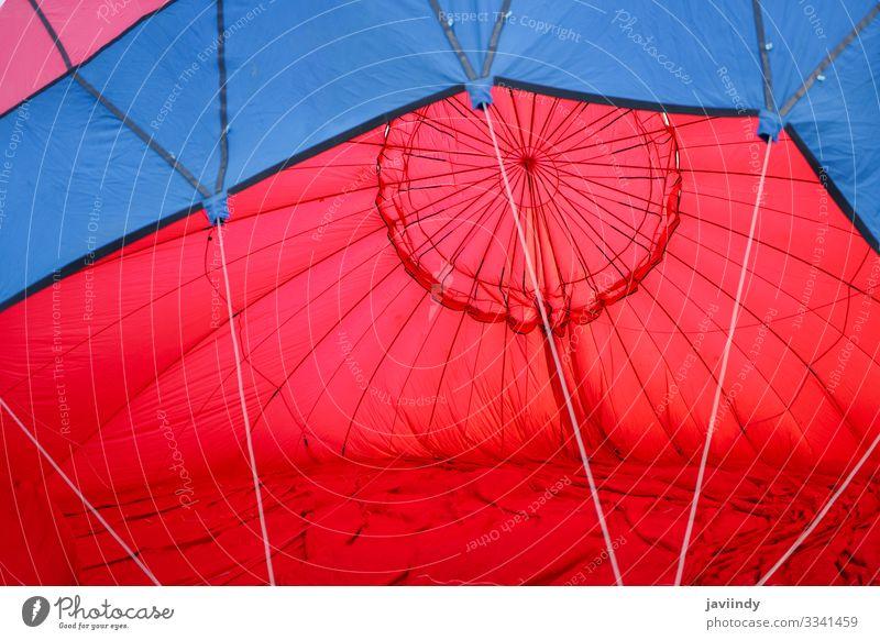 Ballonfüllung mit Luft beim Aeroestacion-Festival in Guadix Freude Erholung Freizeit & Hobby Ferien & Urlaub & Reisen Abenteuer Himmel Wolken Verkehr Luftballon
