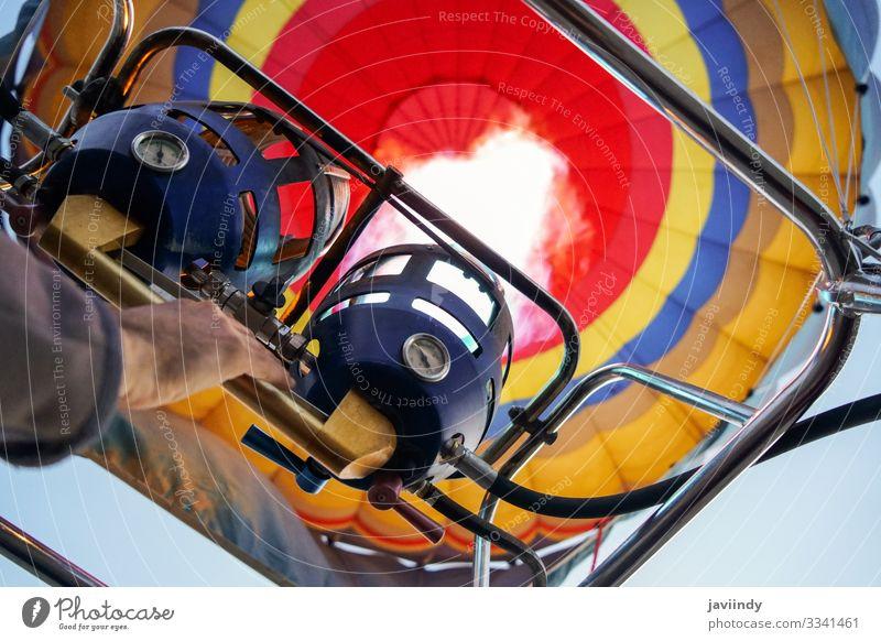 Fesselballone beim Aeroestacion-Festival in Guadix Freude Erholung Freizeit & Hobby Ferien & Urlaub & Reisen Abenteuer Himmel Wolken Verkehr Luftballon heiß