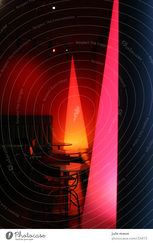 Lichtkegel mehrfarbig Ambiente Tisch Sitzecke gemütlich Fototechnik kegelförmig Dekoration & Verzierung