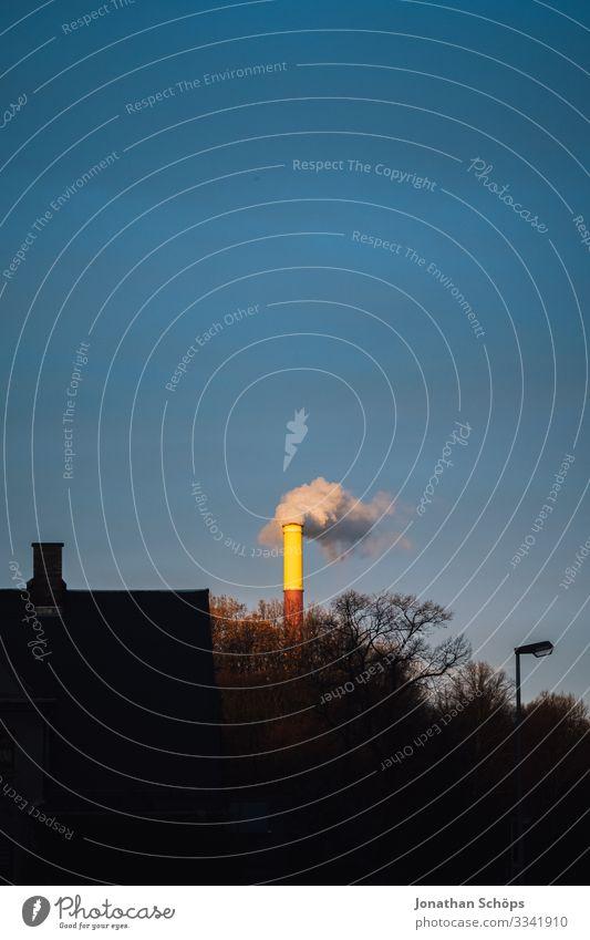 Braunkohle wird durch Farben nicht bunt III Himmel Landschaft Umwelt Deutschland Rauch Abenddämmerung Abgas Sachsen Schornstein Klimawandel Farbstift