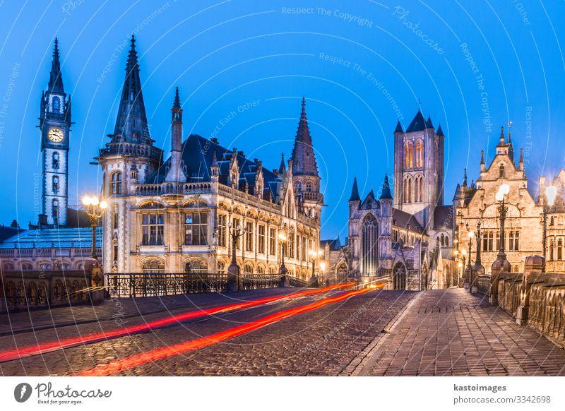 Das Leie-Ufer in Gent, Belgien, Europa. schön Leben Tourismus Haus Uhr Nachtleben Geldinstitut sprechen Himmel Stadt Kirche Palast Brücke Gebäude Architektur