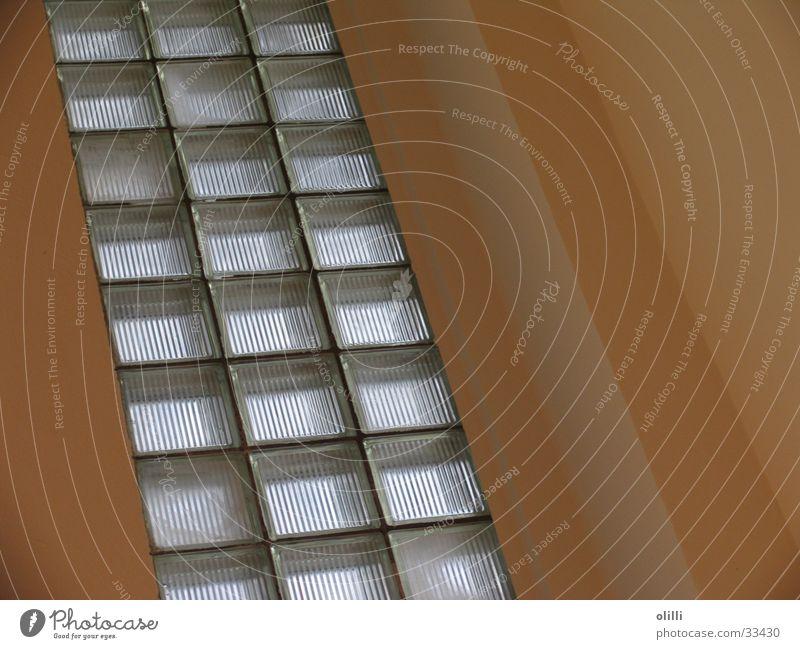 Glasbausteine diagonal Wand Architektur Linie Kontrast