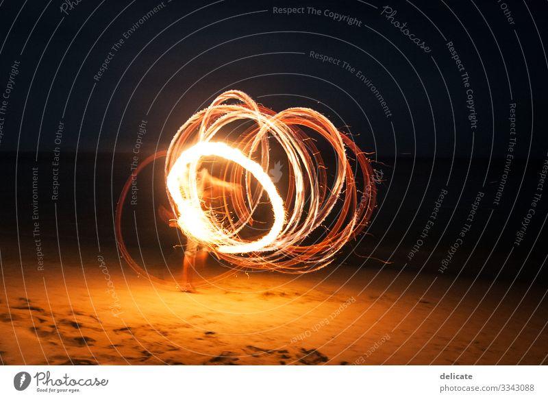 Lichterfest Lichterscheinung Lichtspiel Langzeitbelichtung Farbfoto Menschenleer Nacht leuchten Kunstlicht Bewegungsunschärfe abstrakt Leuchtspur Kontrast rot