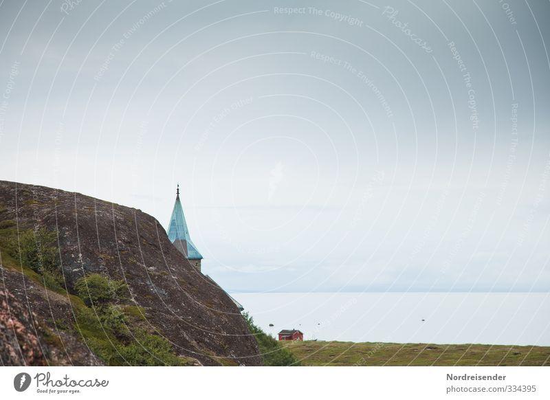 Barentssee Stadt Meer Einsamkeit Landschaft ruhig Ferne Küste Architektur Religion & Glaube Felsen Horizont Stimmung Tourismus ästhetisch Kirche Hoffnung