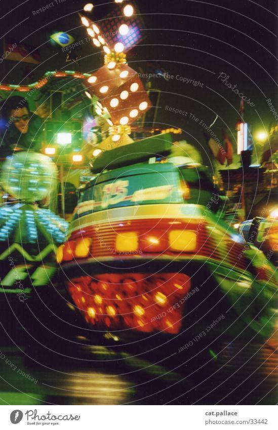 breakdancer Geschwindigkeit Club Jahrmarkt Karussell Hamburger Dom