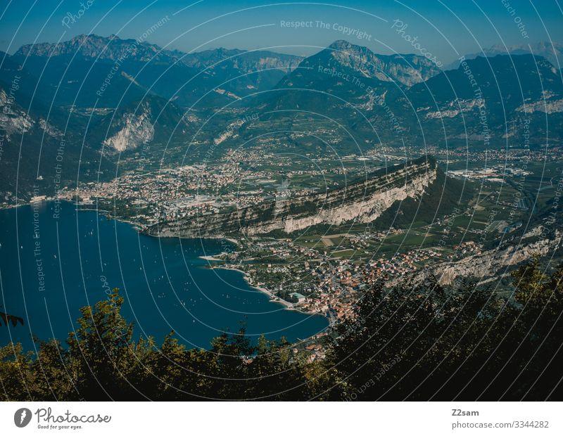 Torbole am Gardasee von oben gardasee torbole riva del garda bergsee alpen panorama Berge u. Gebirge Außenaufnahme Italien Ferien & Urlaub & Reisen Natur Himmel