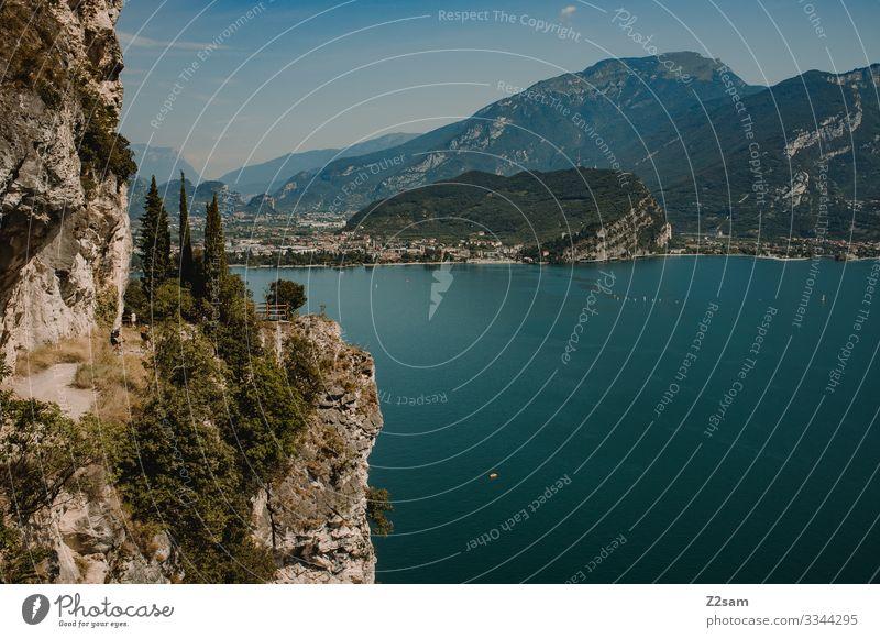 Ponale | Gardasee alpenüberquerung gardasee mountainbike mtb transalp Pokale gardasse ausblick radtour straße felsen Berge u. Gebirge steilufer klippe bergsee