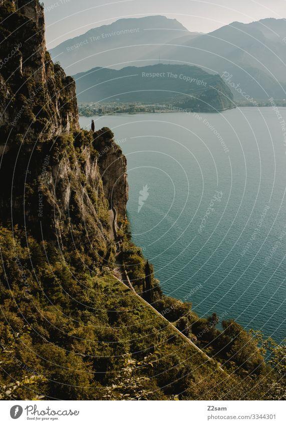 Lago di Garda / Ponalestraße Natur Landschaft Sommer Schönes Wetter Alpen Berge u. Gebirge Seeufer natürlich blau grün ruhig Einsamkeit Farbe