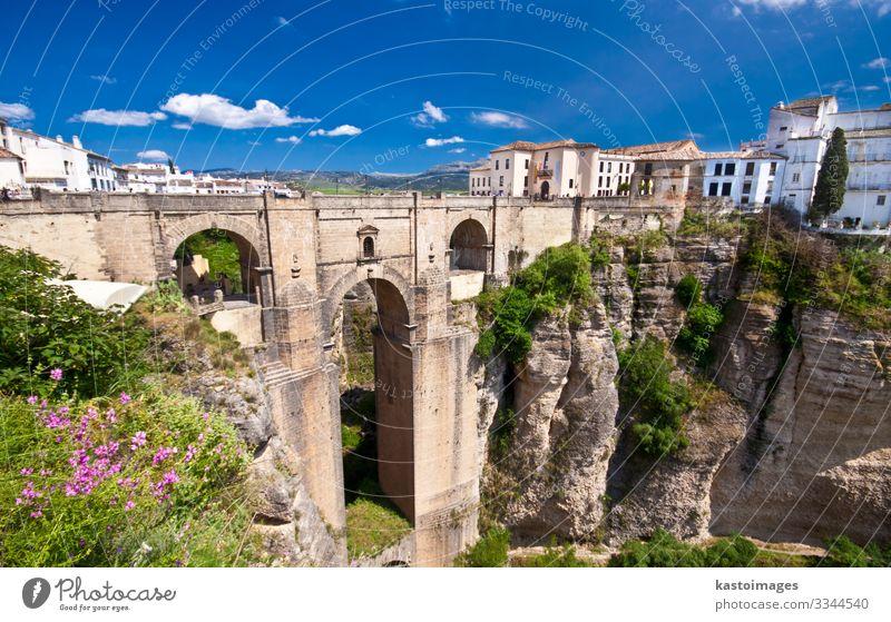Neue Brücke in Ronda, Andalusien, Spanien Ferien & Urlaub & Reisen Tourismus Sommer Berge u. Gebirge Haus Natur Landschaft Himmel Wolken Horizont Blume Felsen