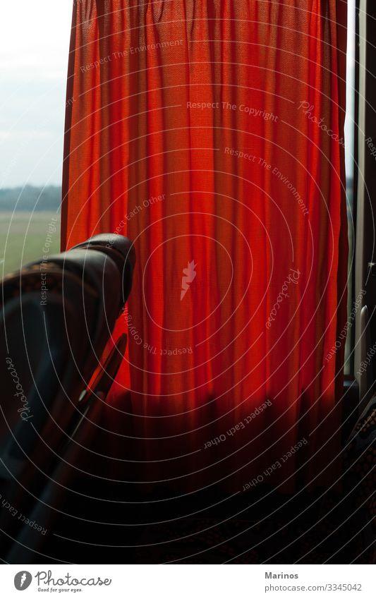 Detail des Bus-Innenraums. Transport, Tourismus, Reise. Reichtum Erholung Ferien & Urlaub & Reisen Ausflug Verkehr Fahrzeug sitzen Geborgenheit bequem Gardine