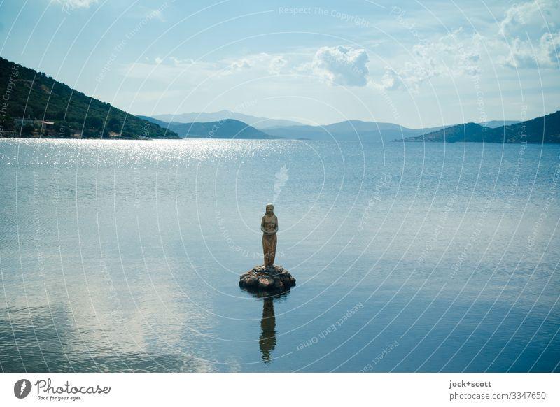 Chimäre in einer Bucht, Euböa Erholung Meditation 1 Skulptur Wolken Schönes Wetter Hügel Meer Ägäis Stimmung achtsam Inspiration Phantasie Mysterium