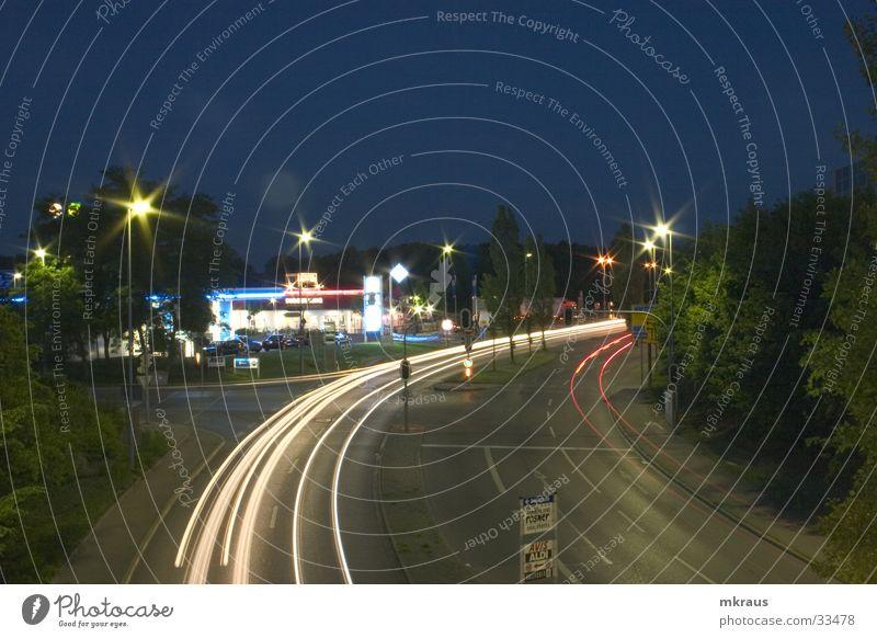 Nighttraffic Nacht Ingolstadt Tankstelle Verkehr Lanzeitbelichtung Lichter in der Nacht