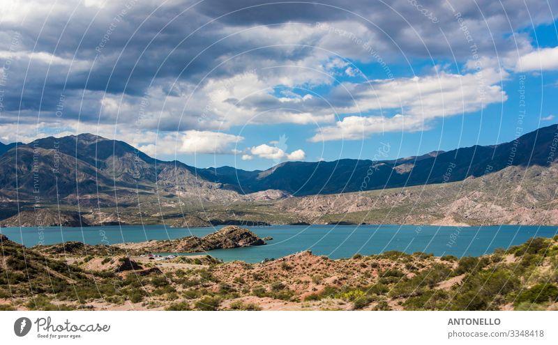 Panorama des Potrerillos-Sees in Argentinien Angeln Ferien & Urlaub & Reisen Tourismus Abenteuer Sommer Strand Berge u. Gebirge wandern Wassersport Klettern