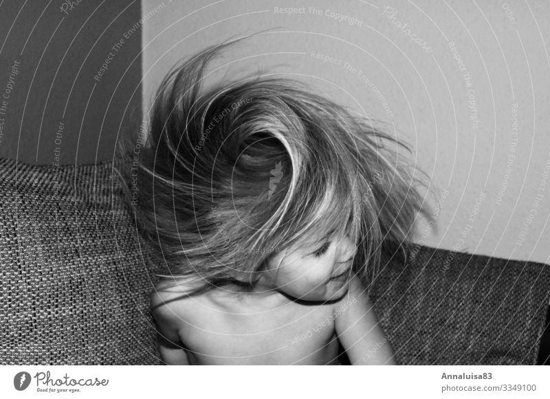 Wirbelwind feminin Kleinkind Mädchen Kopf Haare & Frisuren 1 Mensch 3-8 Jahre Kind Kindheit Fröhlichkeit frisch lustig Geschwindigkeit verrückt schütteln drehen
