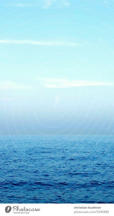 meer und himmel vereint blau ruhe strand wasser wolken harmony wasser und meer einheit