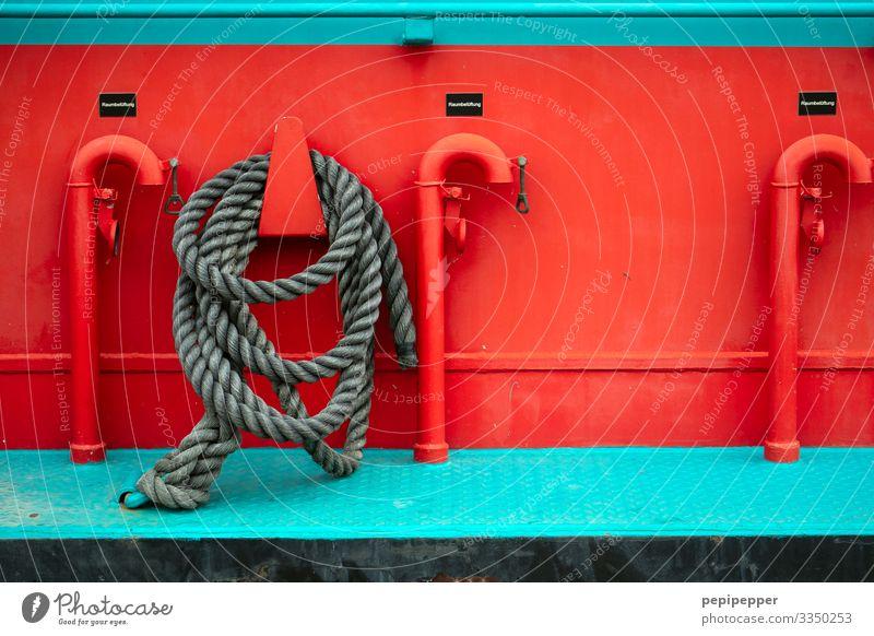 Tau, Schiff Boot rot Metall bunt Schiffahrt Maritim Menschenleer Außenaufnahme Tag Nahaufnahme Rohre Kutter türkis Seil