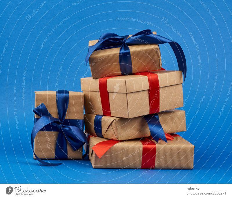 Schachtel in braunes Kraftpapier gewickelt Design Dekoration & Verzierung Feste & Feiern Valentinstag Muttertag Weihnachten & Advent Silvester u. Neujahr