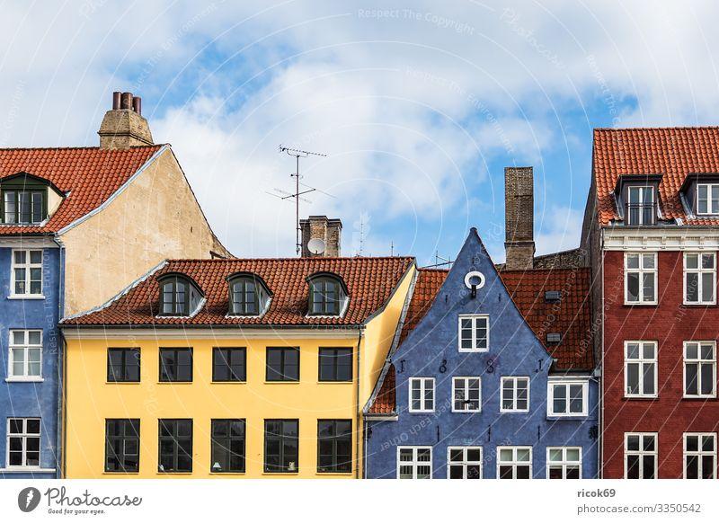 Gebäude in der Stadt Kopenhagen, Dänemark Ferien & Urlaub & Reisen Tourismus Haus Wolken Architektur Fassade Sehenswürdigkeit Nyhavn Kanal Farbe Reiseziel