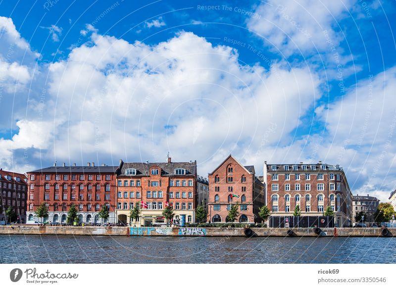 Gebäude in der Stadt Kopenhagen, Dänemark Ferien & Urlaub & Reisen Wasser Haus Wolken Architektur Tourismus Fassade Europa Sehenswürdigkeit Tradition