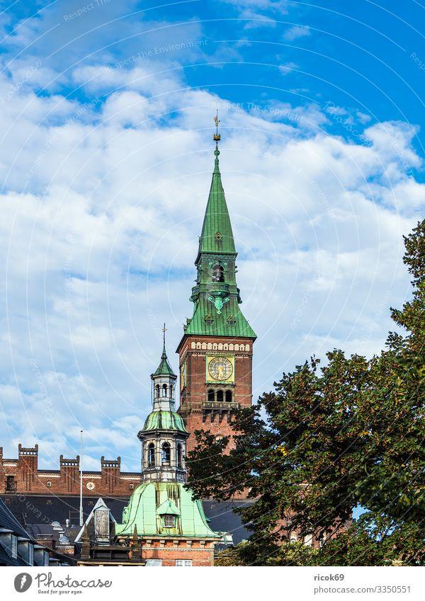 Gebäude in der Stadt Kopenhagen, Dänemark Ferien & Urlaub & Reisen Baum Haus Wolken Architektur Religion & Glaube Tourismus Europa historisch Sehenswürdigkeit
