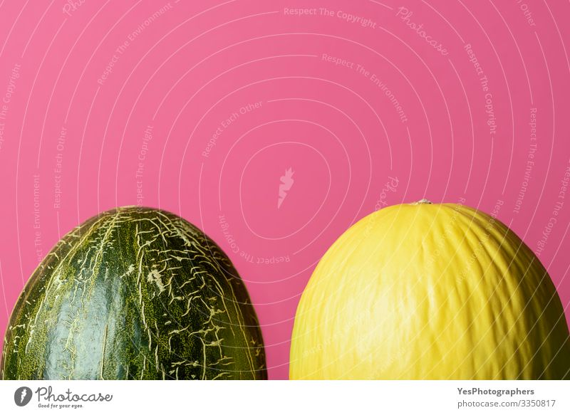Frische ganze Melonen. Honigmelone und Froschhautmelonen Frucht Dessert Bioprodukte Diät Gesunde Ernährung lecker farbenfroh Textfreiraum Kürbisgewächse