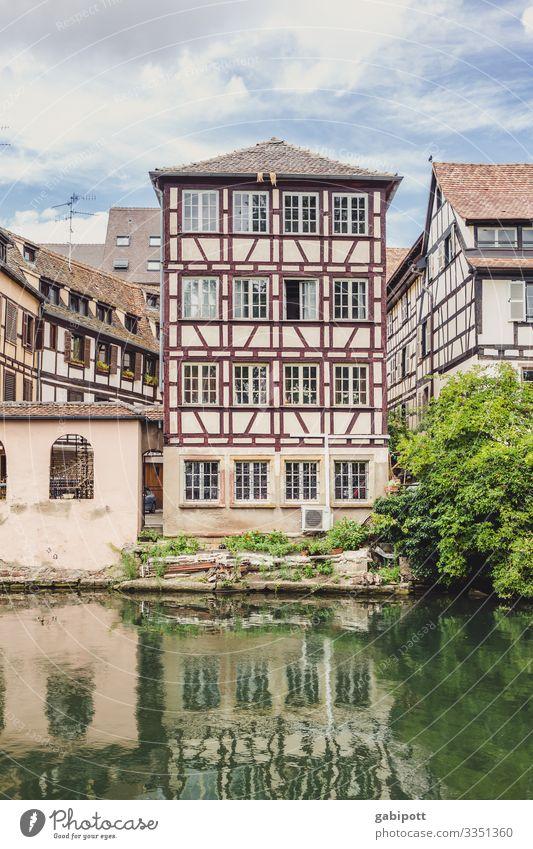 Städtetrip Strasbourg 1/5 Himmel Sommer Schönes Wetter Baum Bach Fluss Straßburg Frankreich Europa Stadt Stadtzentrum Altstadt Haus Mauer Wand Fassade Fenster