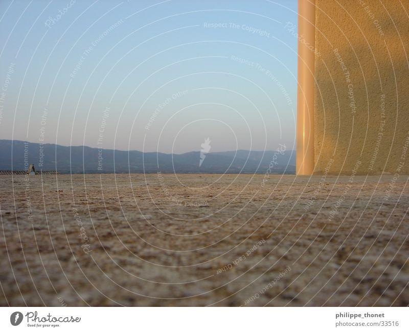 Provencefenster Fenster Ferien & Urlaub & Reisen Frankreich Fensterbrett Europa Himmel Aublick Berge u. Gebirge Ecke
