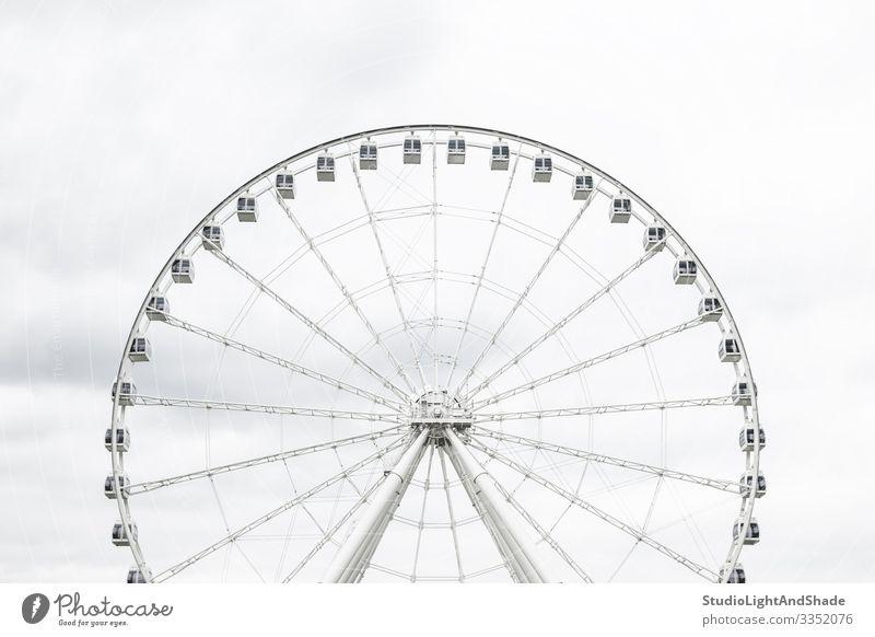 Weißes Beobachtungsrad elegant Tourismus Sightseeing Entertainment Himmel Wolken Architektur neu grau weiß Rad Großes Rad Grande Roue Montreal Quebec Kanada