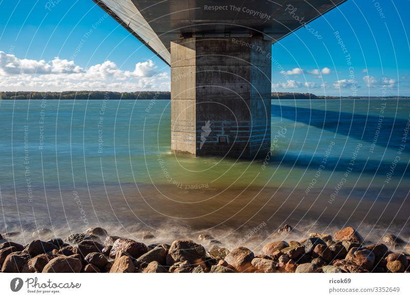 Eine Brücke zwischen Seeland und Falster in Dänemark Ferien & Urlaub & Reisen Natur blau Wasser Landschaft Wolken Architektur Küste Tourismus Verkehr Europa