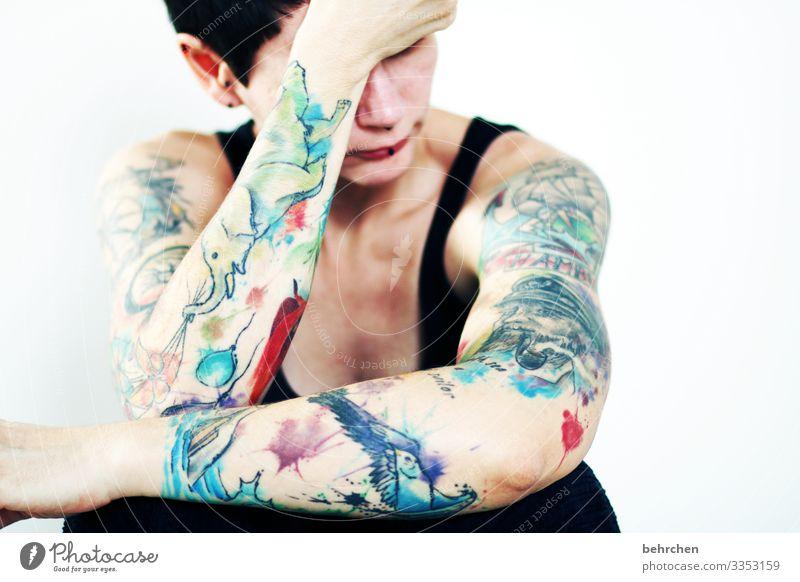 angst vor gewohnheiten | corona thoughts allein isoliert melancholie Depression verletzlich intensiv Kummer tattoos Erschöpfung Enttäuschung Einsamkeit bunt