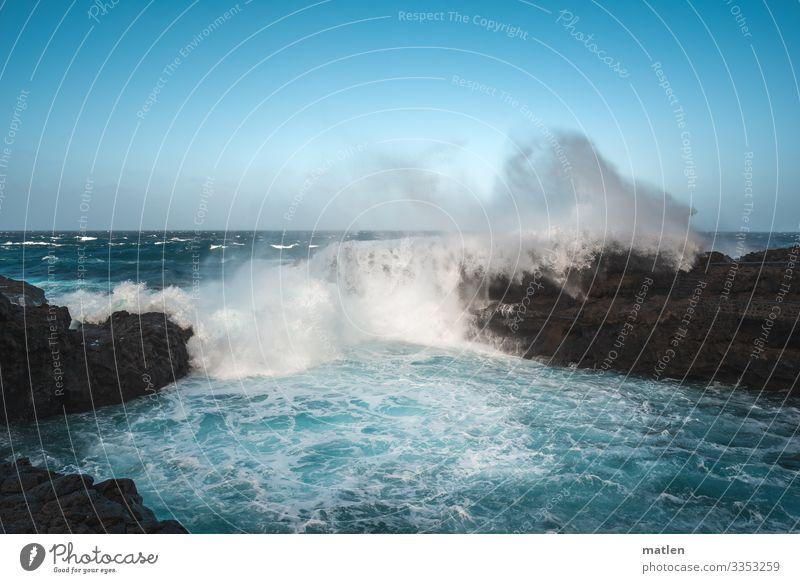 Sabine war es nicht Natur Landschaft Urelemente Wasser Wassertropfen Himmel Wolkenloser Himmel Horizont Frühling Klima Schönes Wetter Sturm Felsen Wellen Küste