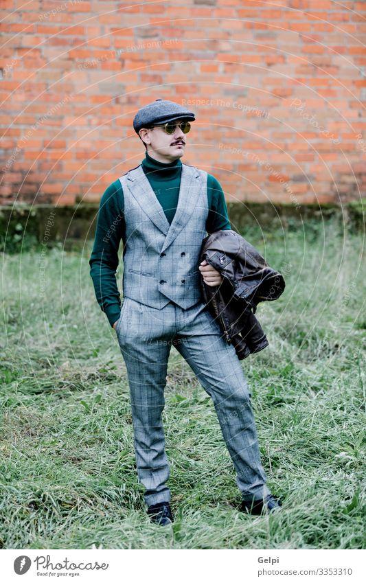 Mann alt grün Lifestyle Erwachsene lustig Stil Business Mode Haare & Frisuren grau maskulin retro elegant Reichtum Jacke