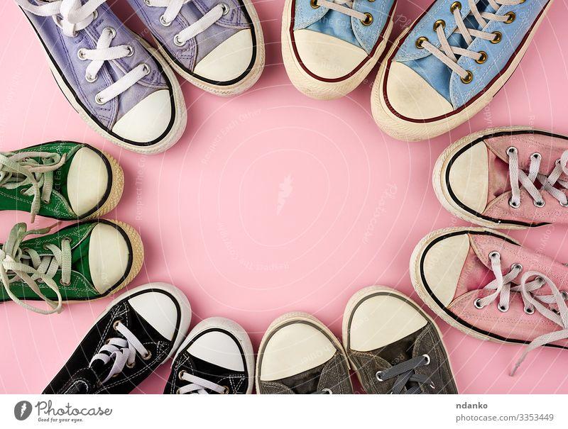 textile Turnschuhe in verschiedenen Größen Lifestyle Stil Design Sport Joggen Kind Frau Erwachsene Mutter Familie & Verwandtschaft Freundschaft Fuß Mode