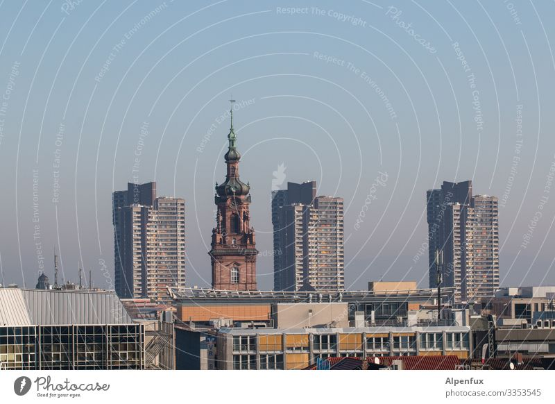 zu Besuch bei Drillingen Mannheim Stadt Stadtzentrum Skyline Hochhaus Kirche geheimnisvoll Gesellschaft (Soziologie) Glaube Religion & Glaube Horizont