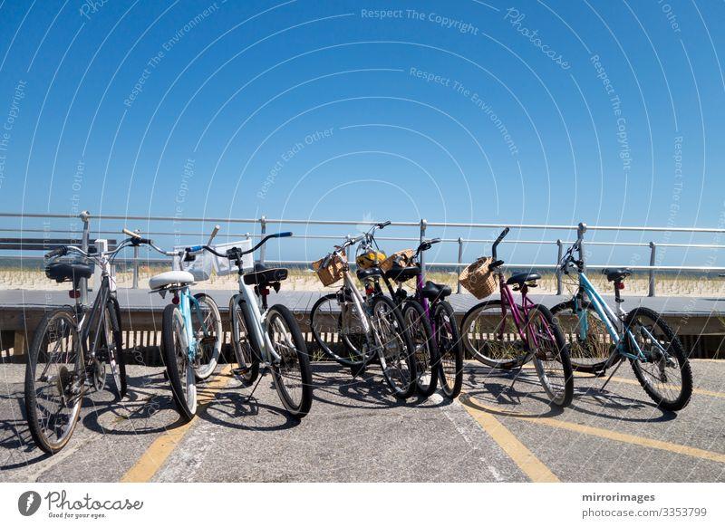 Himmel Ferien & Urlaub & Reisen Sommer schön grün Meer Strand Straße Küste Tourismus Sand Freizeit & Hobby Verkehr modern Fahrrad Fahrradfahren