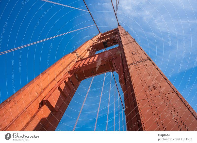 Golden Gate Bridge Brücke Stahl Arbeit & Erwerbstätigkeit Bewegung gehen laufen Ferien & Urlaub & Reisen gigantisch groß blau orange San Francisco Farbfoto