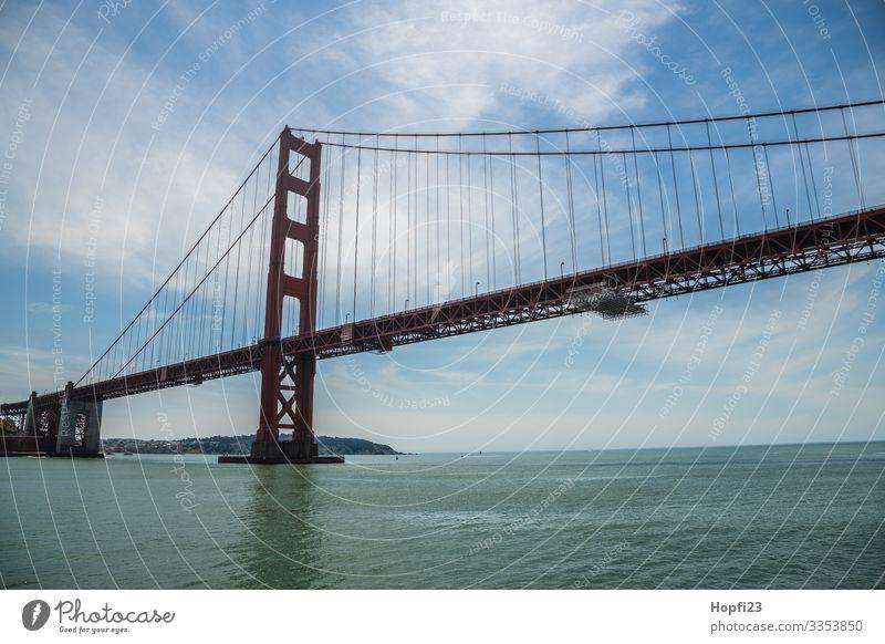 Golden Gate Bridge Wasser Frühling Sommer Schönes Wetter Küste Bucht Meer Stadt Brücke fahren laufen gigantisch groß blau orange Ferien & Urlaub & Reisen