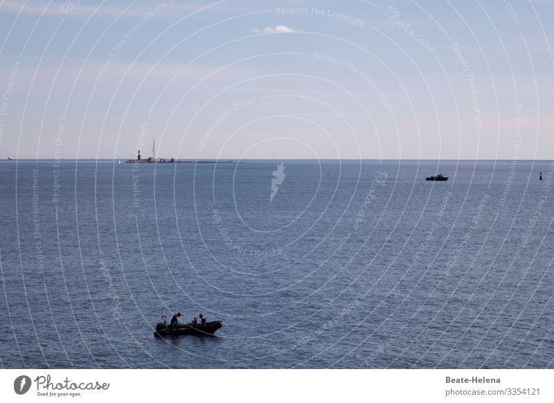 traumhaft: das Meer um Mallorca Boot Boote Weite Wasser blau Natur Sommer Landschaft Himmel Tourismus reisen im Freien Urlaub malerisch Meereslandschaft
