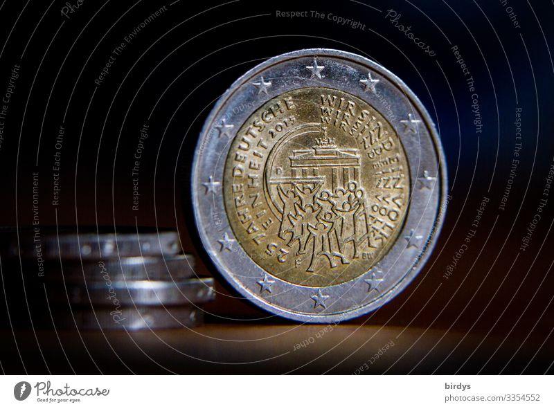 wir sind ein Volk Mensch Menschenmenge Deutschland Brandenburger Tor 2 Euromünze Geldmünzen Metall Feste & Feiern Umarmen authentisch Zusammensein historisch