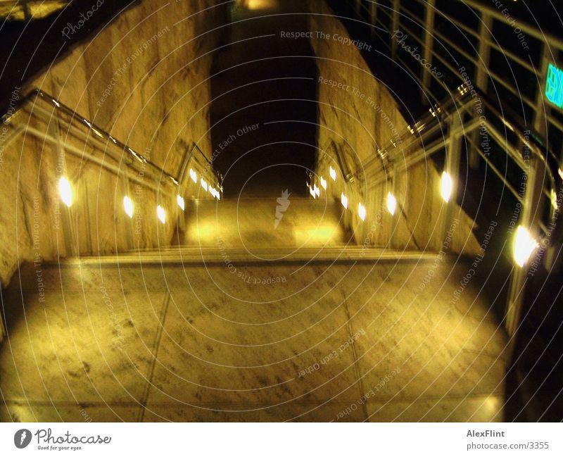 treppe_unscharf Unschärfe dunkel Treppe