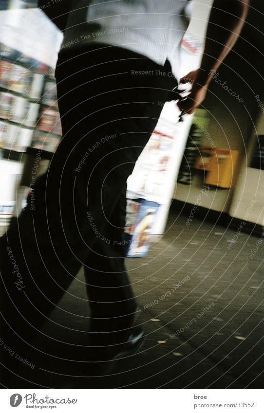 der kiosk gehen Hose Kiosk Mann Bewegung Unschärfe Bahnhof
