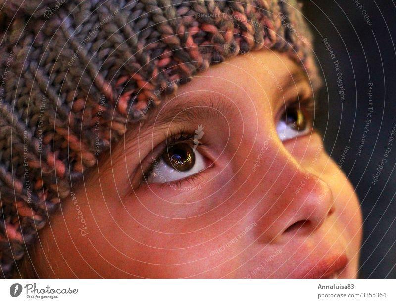 Riesenrad in den Augen Kind Mensch Weihnachten & Advent Stadt Freude Mädchen Glück leuchten glänzend Kindheit Lebensfreude hoch Mütze Frühlingsgefühle