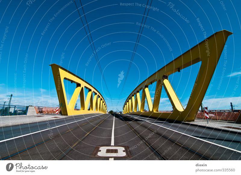 Neckarauer Übergang Himmel Wolken Wetter Schönes Wetter Mannheim Stadt Brücke Bauwerk Architektur Fachwerkfassade Stahlfachwerkbrücke Verkehr Verkehrswege