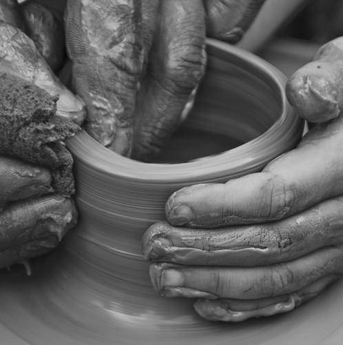 Material verstehen.... Freizeit & Hobby Kindererziehung Bildung lernen Beruf Handwerk Mensch Finger Arbeit & Erwerbstätigkeit berühren Bewegung drehen entdecken