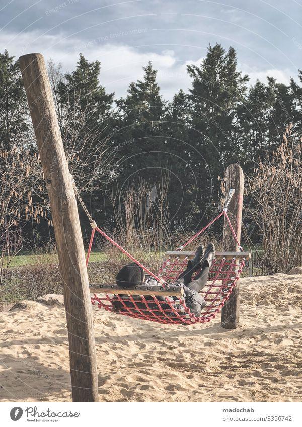 Warten auf den Sommer Lifestyle Stil Wellness harmonisch Wohlgefühl Zufriedenheit Erholung ruhig Meditation Mensch feminin Junge Frau Jugendliche liegen frei